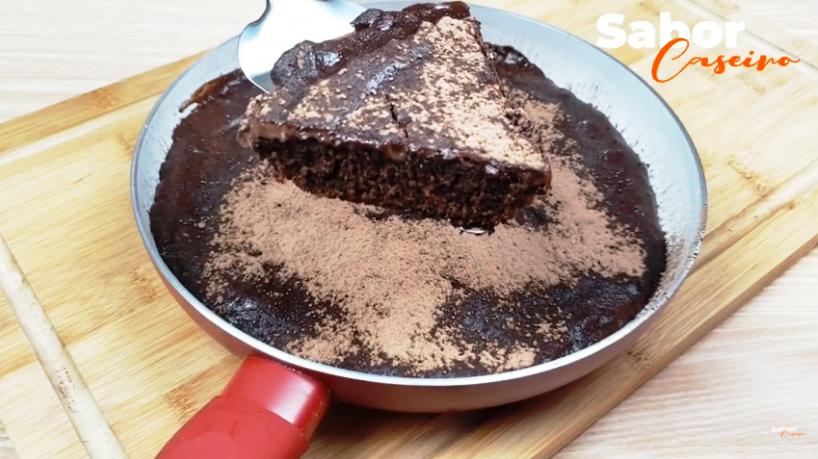 Aprenda a Fazer um Delicioso Bolo de Chocolate feito na Frigideira